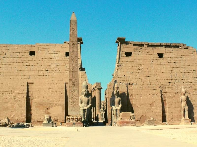 A mai ramas doar un singur obelisc la Luxor