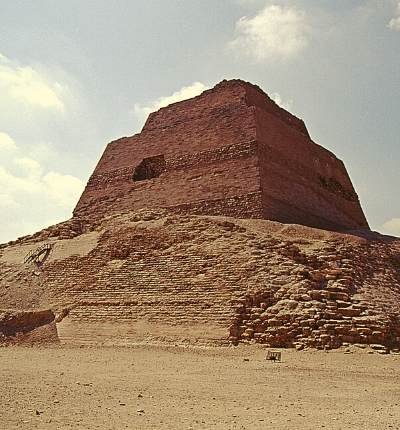 A fost descoperit un coridor secret in piramida de la Meidum